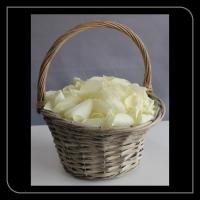 Strooi mandje witte rozen